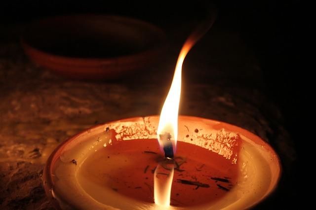 candle-97505_640