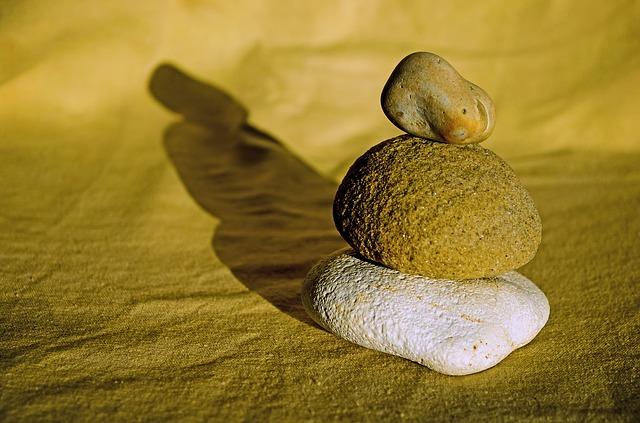 stones-89215_640
