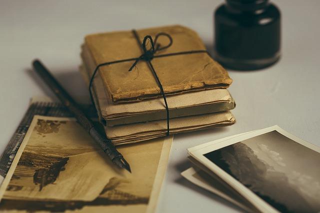 old-letters-1082299_640.jpg
