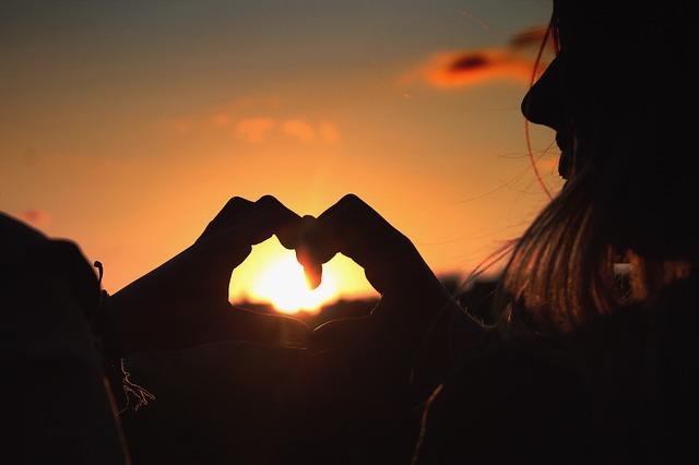 sunset-1620933_640.jpg