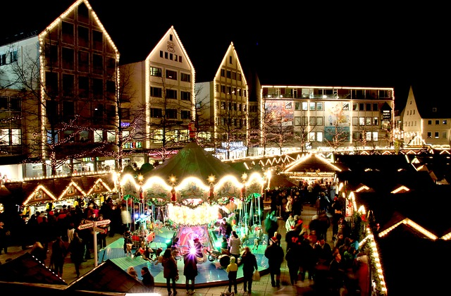 christmas-market-579083_640.jpg